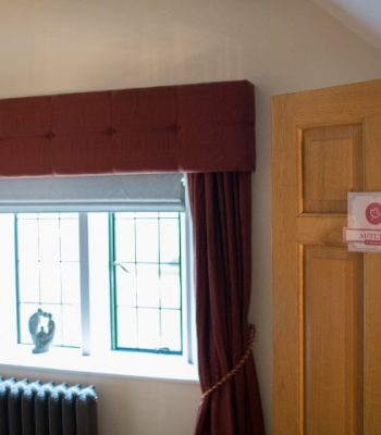 merrydale-manor-autumn-bedroom-2