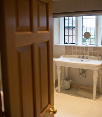 merrydale-manor-autumn-bedroom-6