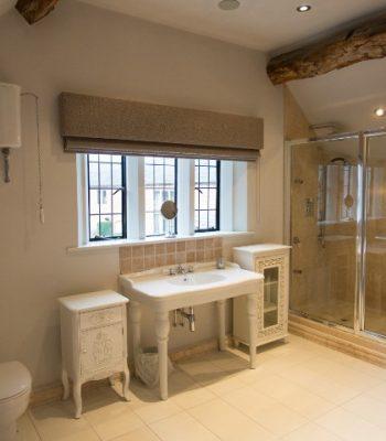 merrydale-manor-autumn-bedroom-8