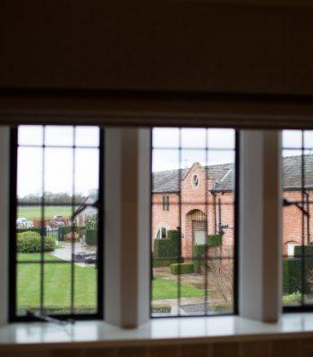 merrydale-manor-autumn-bedroom-9