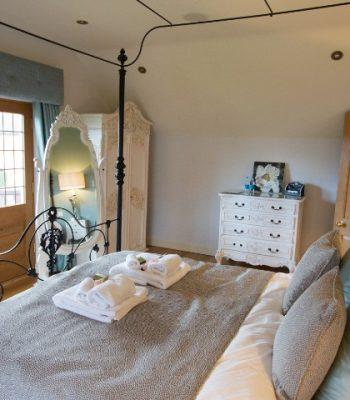 merrydale-winter-bedroom-1