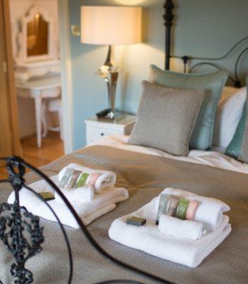 merrydale-winter-bedroom-4