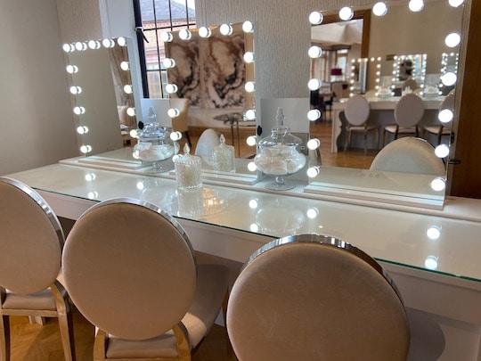 Makeup Suite